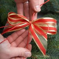 Как сделать новогодний бант на венок