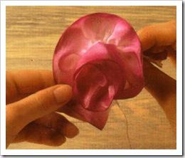 Как сделать розу из лент (ткани) своими.