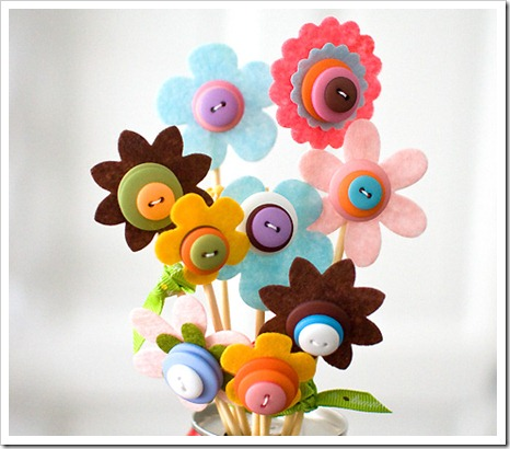 bouquets of flowers: flowers out of felt, buttons art