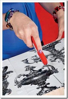 Декоратор делает подставку для журналов